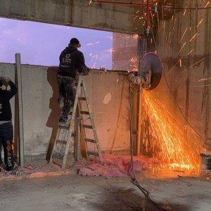 ניסור קיר בטון צוות קל בטון