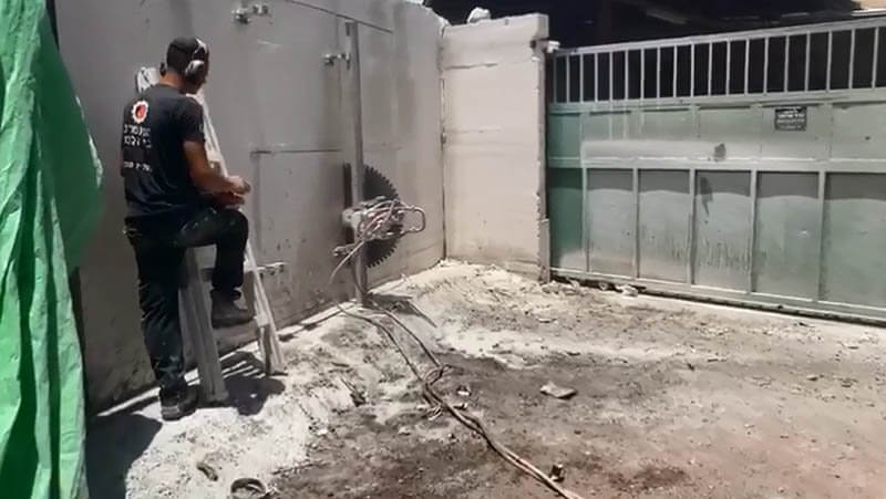 ניסור בטון במרכז חברת קל בטון